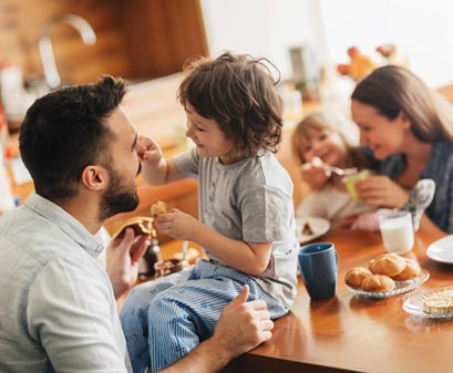 https://harvestatlimoneira.com/wp/../shared/2018/10/family-having-breakfast.jpg